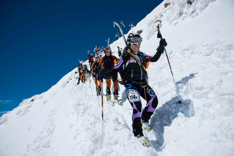 A women's team descending from Naso del Lyskamm, Marco Spataro