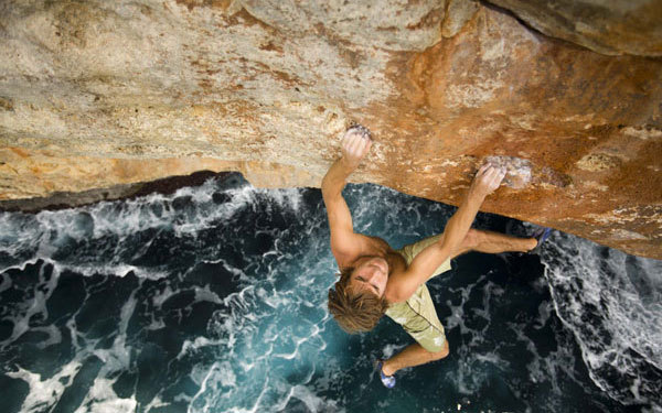 "King Lines di Josh Lowell, Peter Mortimer con l' ""incredibile"" Chris Sharma, arch. TrentoFilmfestival"