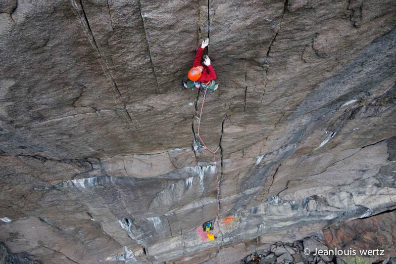 Nicolas Favresse sulla sua via The recovery drink sulla Profile wall a Jossingfjord, Norvegia., Jean-Louis Wertz