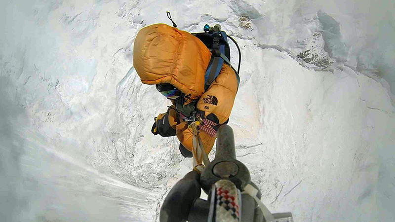 Longline at 7800m on Everest, archivio S. Moro