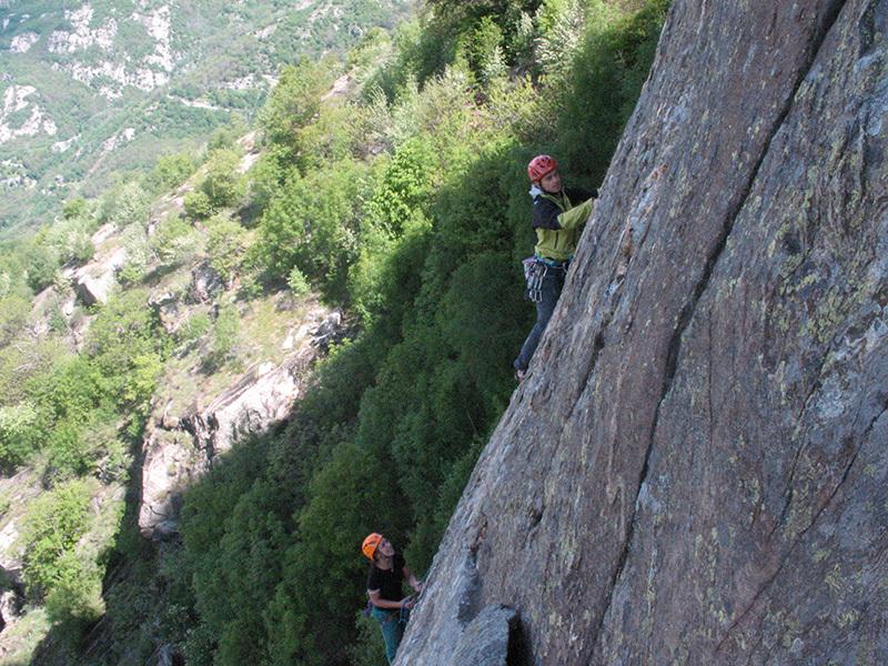 In arrampicata sul Pilastro Lomasti, Valle d'Aosta, archivio Paolo Tombini