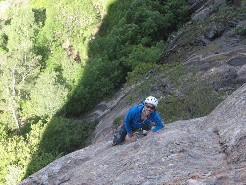 Clmbing on Pilastro Lomasti, Valle d'Aosta, archivio Paolo Tombini