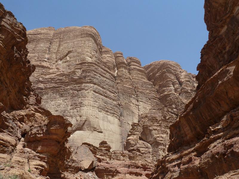 Arrampicata e incastri a wadi Rum, nel deserto di Lawrence d'Arabia, archivio Cavalli - Sanguineti - Scagnetto