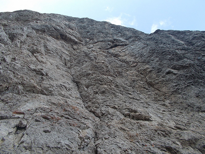 The starting crack of via Clara at Magnaghi, M. Anghileri