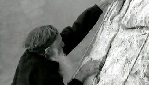Un'immagine dal film Lo domanderò alla montagna di Francesco Paladino, arch. TrentoFilmfestival