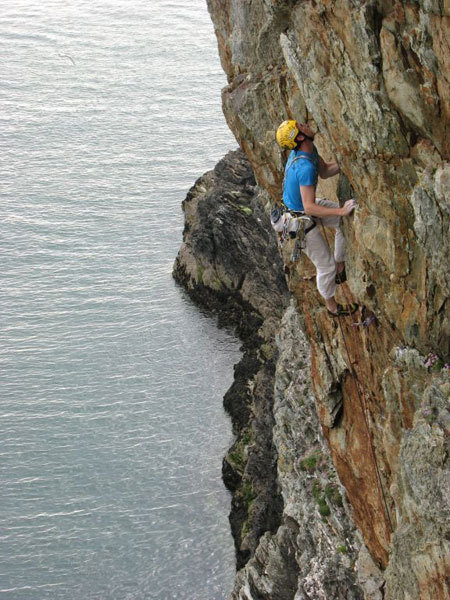 Erik Svab on-sighting Big Boys E5 6b, Rhoscolyn, Gogarth, Wales, Hannie