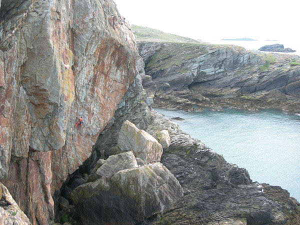 Rolando Larcher a vista su Dreams and screams E6 6b, Rhoscolyn, Gogarth, Galles, Erik Svab
