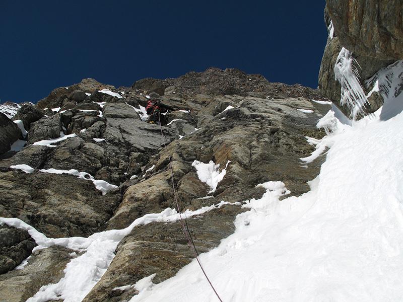 Lockness Couloir (Federico e Nicolò Sanna 30/06/2013, TD-, 820m, IV, neve e ghiaccio max 80°),  Lagginhorn 4010m, Svizzera., archivio Nicolò Sanna
