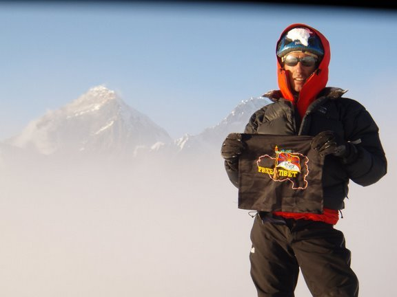 Santiago Padros on the summit of Free Tibet 2065 1500m/V+/80°/M5, Ama Dablam, Nepal., Arch. Francesco Fazzi