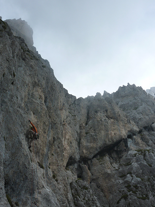 Daniele Natali sul verticale terzo tiro, durante la prima ripetizione, Codazzi & Natali