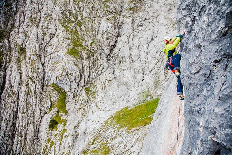 Jacopo Larcher su Des Kaisers neue Kleider (240m, 8b+) nel Wilder Kaiser, Austria., Klaus Dell'Orto