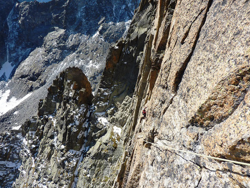 Sulla via Grassi - Re allla parete sud-est del Becco Meridionale della Tribolazione, archivio Ivo Ferrari