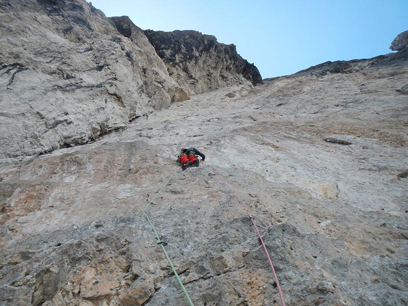 Variante del Li-Cuore, Monte Agner parete Nord-Est (VII+, A3, VII- obbligatorio, Tito Arosio, Luca Vallata 2013), archivio Luca Vallata / Tito Arosio