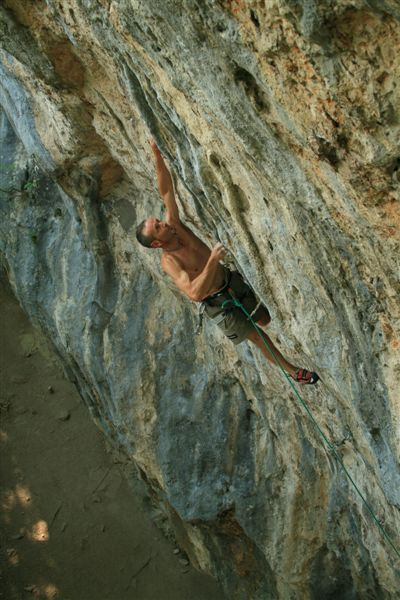 Gino Pavoni repeating Dead man walking 8b/c at Warmbad, Austria., Marcus Gronig