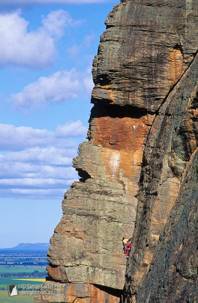 Stuart Lording su The Watchtower Crack (16, 100m), The Watchtower, Mount Arapiles, Victoria, Australia., Simon Carter / Onsight Photography