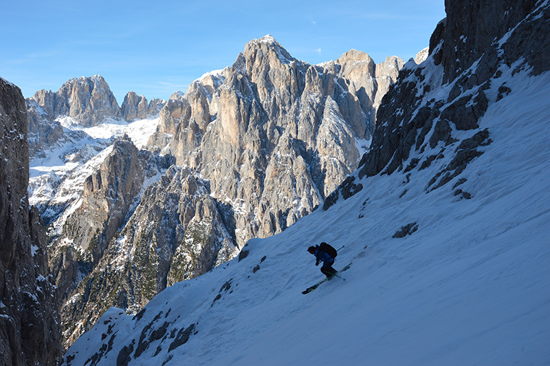 Canale Sant Anna, Pale di San Martino: Leo skiing down the gully, archivio Eric Girardini