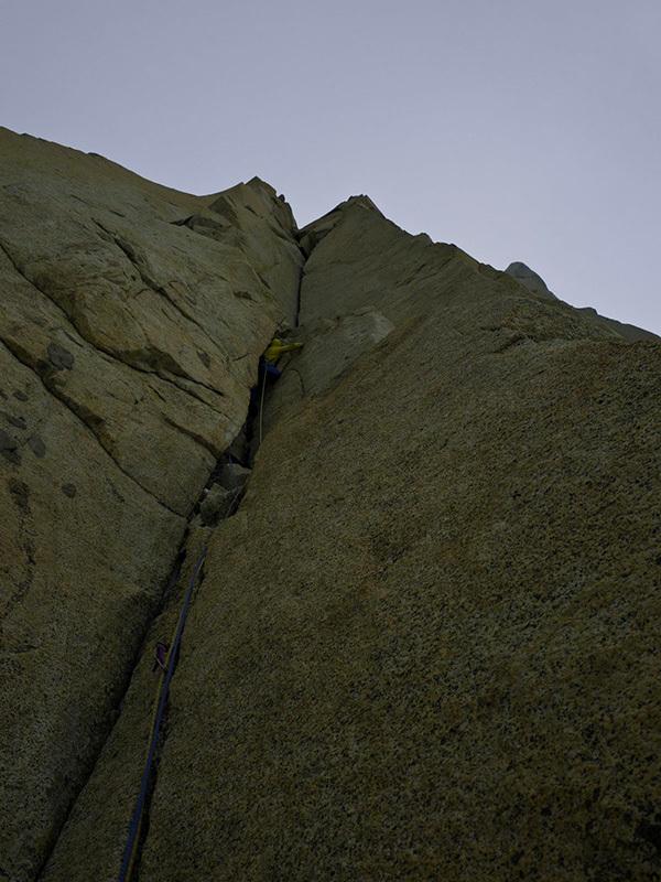 D'Artagnan (7a,C1, M6), Los tres Mosqueteros, Cerro Domo Blanco, Patagonia: Kim Ladiges, David Gladwin