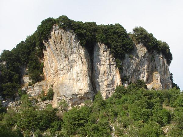 La falesia di Pietrasecca, Abruzzo, Cesare Giuliani