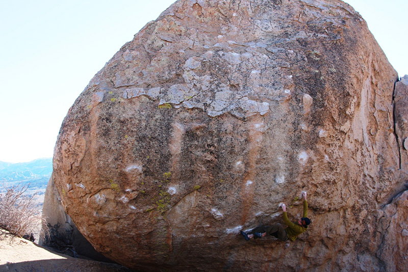 Boulder at Bishop, USA: Drifter Plain High, Buttermilks, Claudia Colonia & Alessandro Penna