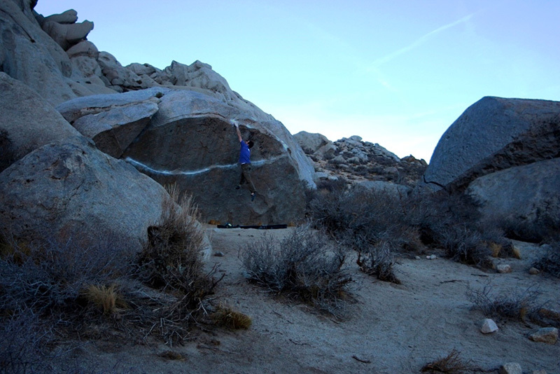 Boulder at Bishop, USA: Iron Fly, Buttermilks, Claudia Colonia & Alessandro Penna