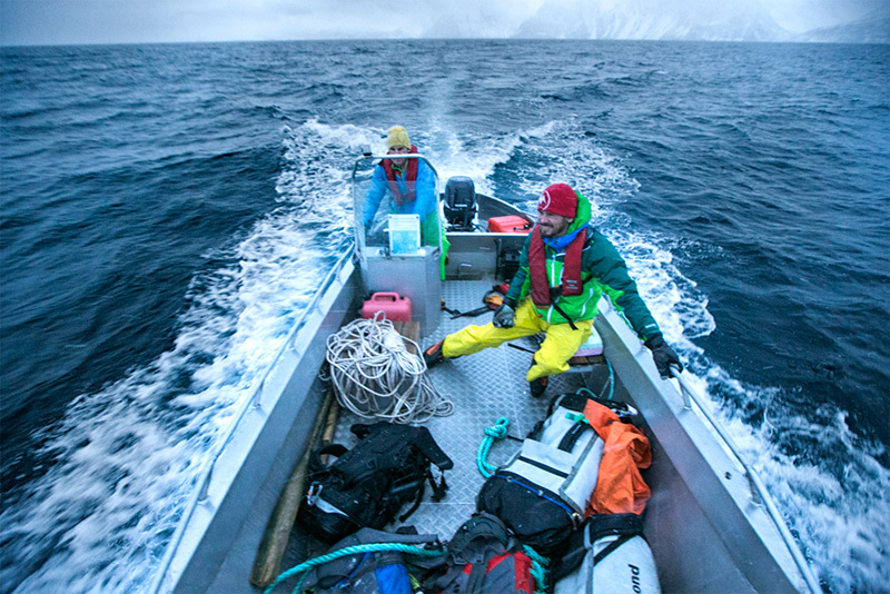 Albert Leichtfried, Benedikt Purner in barca per raggiungere la cascata, Elias Holzknecht