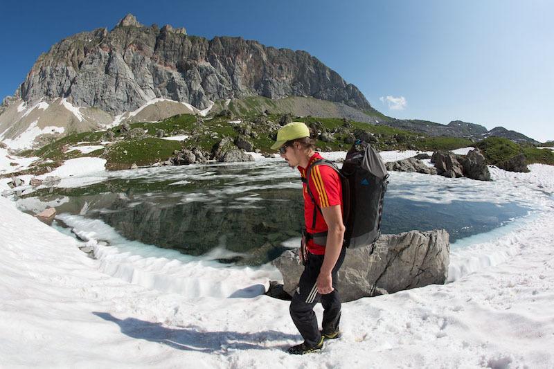 Alex Luger su Sangre de Toro (8b+, 230m), Rote Wand, Lechquellengebirge, Austria, archivio Alex Luger