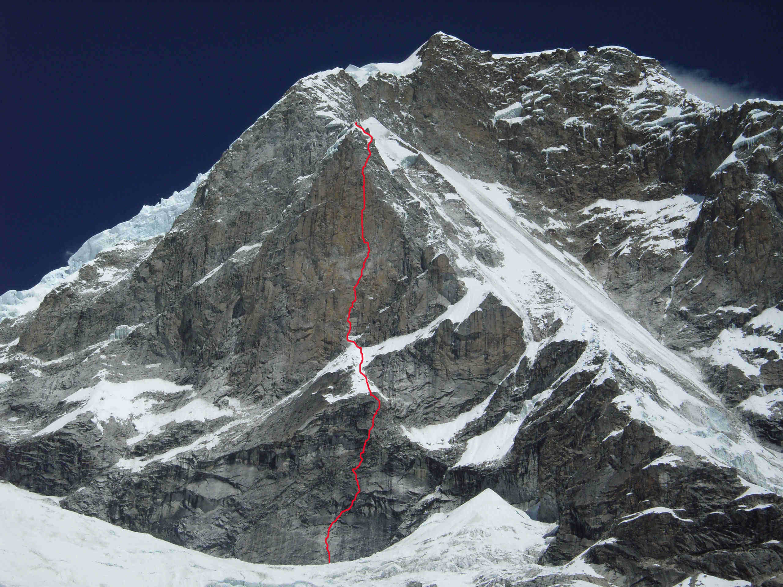 Huascaran North, East Face, Cordillera Blanca, Peru. The line marks the route Entre boires