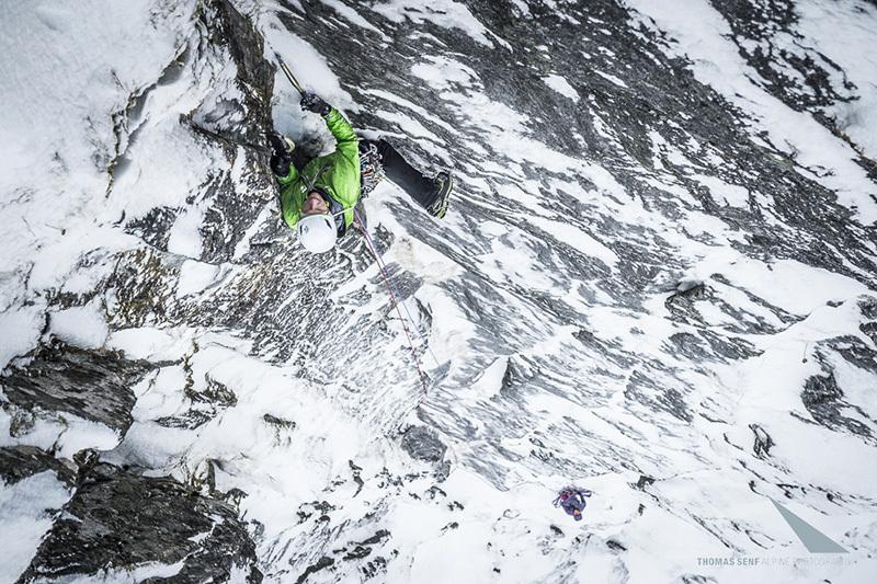 Rudi Hauser durante la prima salita di Eagles Paradise 8/IIIV WI5 500m, Roalden,  Norvegia, © visualimpact.ch | Thomas Senf