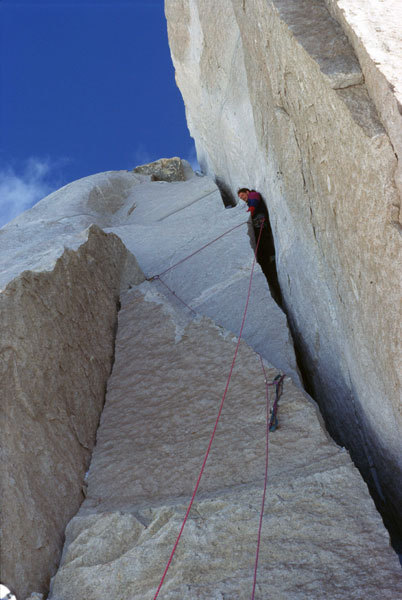 Alexander Huber 1997, Latok II. Fighting in the Offwidth at 6500 m., Toni Gutsch