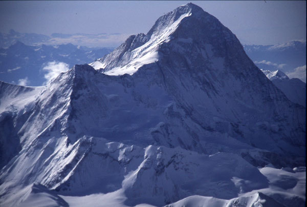 Makalu 8463m (Himalaya, Nepal) the fifth highest mountain in the world., arch. Simone Moro