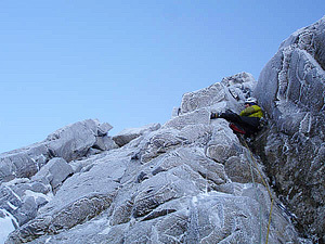 Andy Turner sul primo tiro di Xerxes, Lake District, Inghilterra, Rich Cross