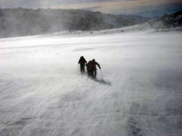 Vento sul lago de Los Tres, arch. Y. Parimbelli, P. Vitali
