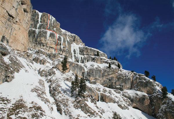 The line of  'La sor blanche', Val Lunga (Val Gardena), Dolomites, Manuel Stuflesser