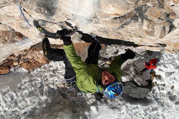 Florian Riegler climbing 'La sor blanche', Val Lunga (Val Gardena), Dolomites, Manuel Stuflesser