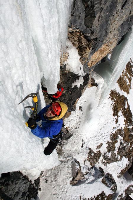 Martin Riegler climbing 'La sor blanche', Val Lunga (Val Gardena), Dolomites., Manuel Stuflesser