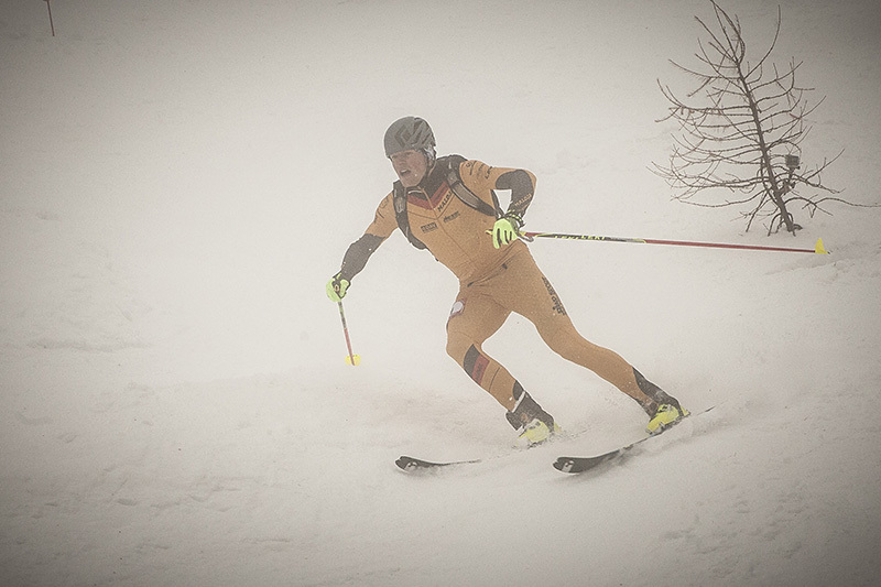Durante la gara sprint a Puy Saint Vincent della Scarpa ISMF World Cup, International Ski Mountaineering Federation