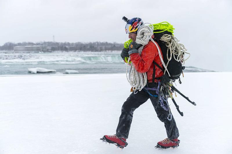 Will Gadd climbing the Niagara Falls on 27 January 2015