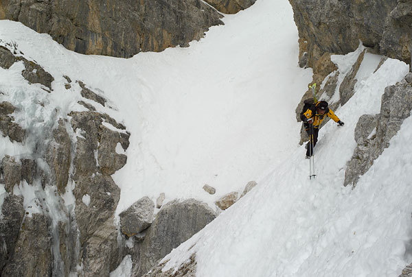 The exposed traverse to the abseil., Francesco Tremolada