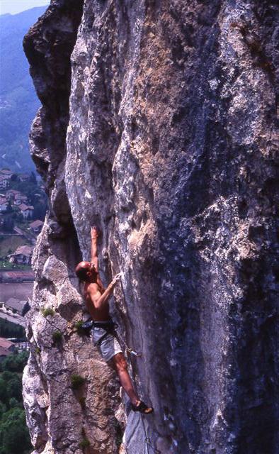 Beppe Dallona climbing Les Sindacalistes, Cornalba, Nicola Noè