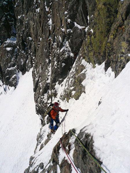 Emanuel in arrampicata sul muro, arch. Luca Maspes