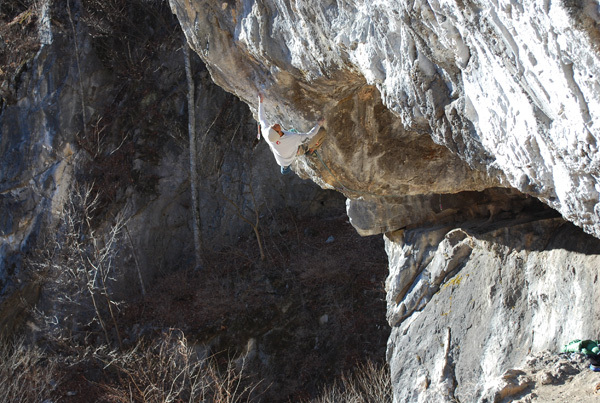 Yuji Hirayama climbing his unnamed 8c at Chichibu, Japan., Archive Yuji Hirayama