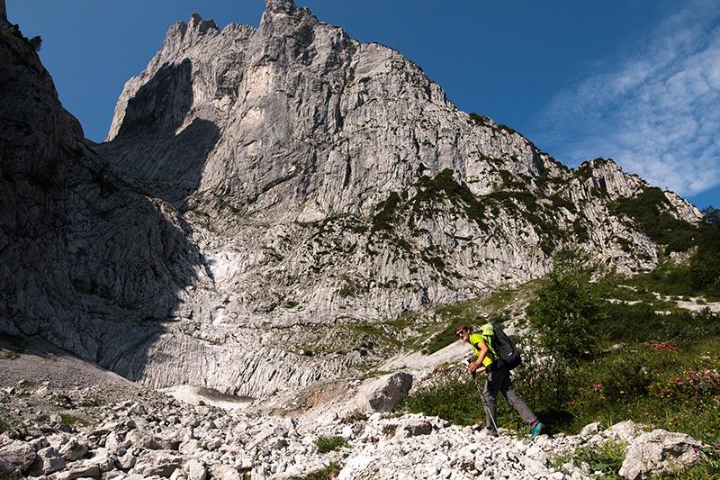 Roland Hemetzberger on Delirium (8c), Wilder Kaiser, Austria