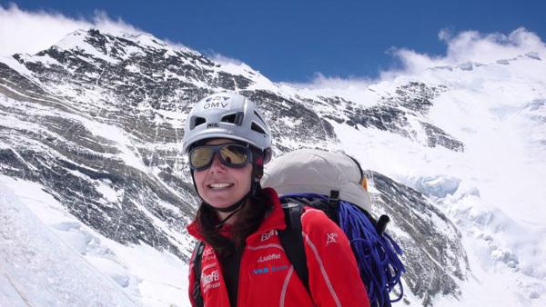Gerlinde Kaltenbrunner e il Lhotse (8516m), arch Kaltenbrunner