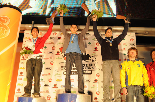 The Vienna podium, from left to right Sean McColl, Rustam Gelmanov and Kilian Fischhuber, www.boulder-worldcup.com