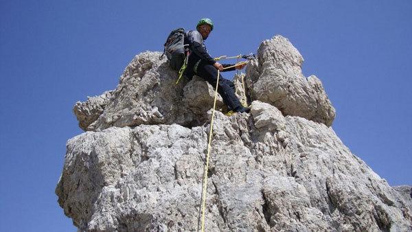 In cima al CASTELLETTO BASSO DI MEZZO - TORRIONE EST PARETE S. Via Detassis - IV° 180m , Franco Nicolini