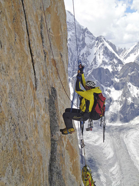 Fabio Leoni sul 17° tiro di The Children of Hushe, arch. Karakorum 2009
