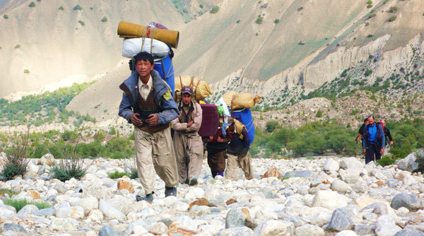 The race to Hushe base camp..., arch. Karakorum 2009