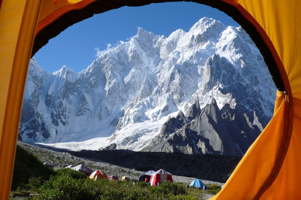 K6 from the tent: a 3000m virgin wall, arch. Karakorum 2009