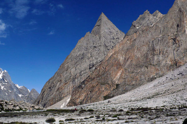 Nayser Brakk 5200m, perhaps the Egyptians had caught sight of it many years ago..., arch. Karakorum 2009