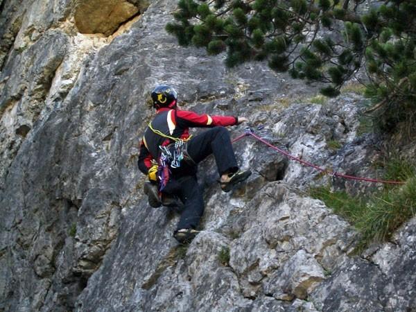 Ambiente dolomitico all'attacco della nuova via I Suoni delle Dolomiti , arch. A. Damioli